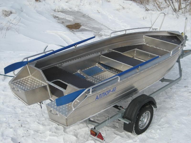 продам лодку аллюр-40